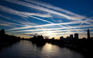 chemtrail-over-city