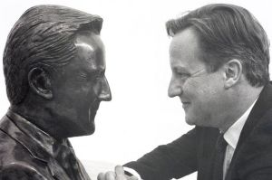 David-Cameron-with-bust-2317825
