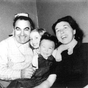 hillarys-family