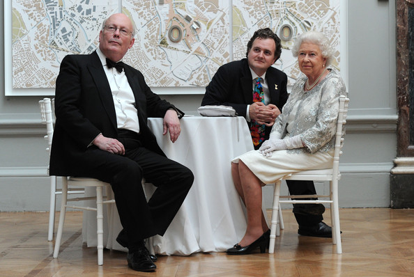 Julian+Fellowes+Queen+Elizabeth+II+Visits+id-SyAZx7o5l